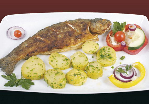 Forelle vom Grill 9,90 / Trout from grill (A,D)